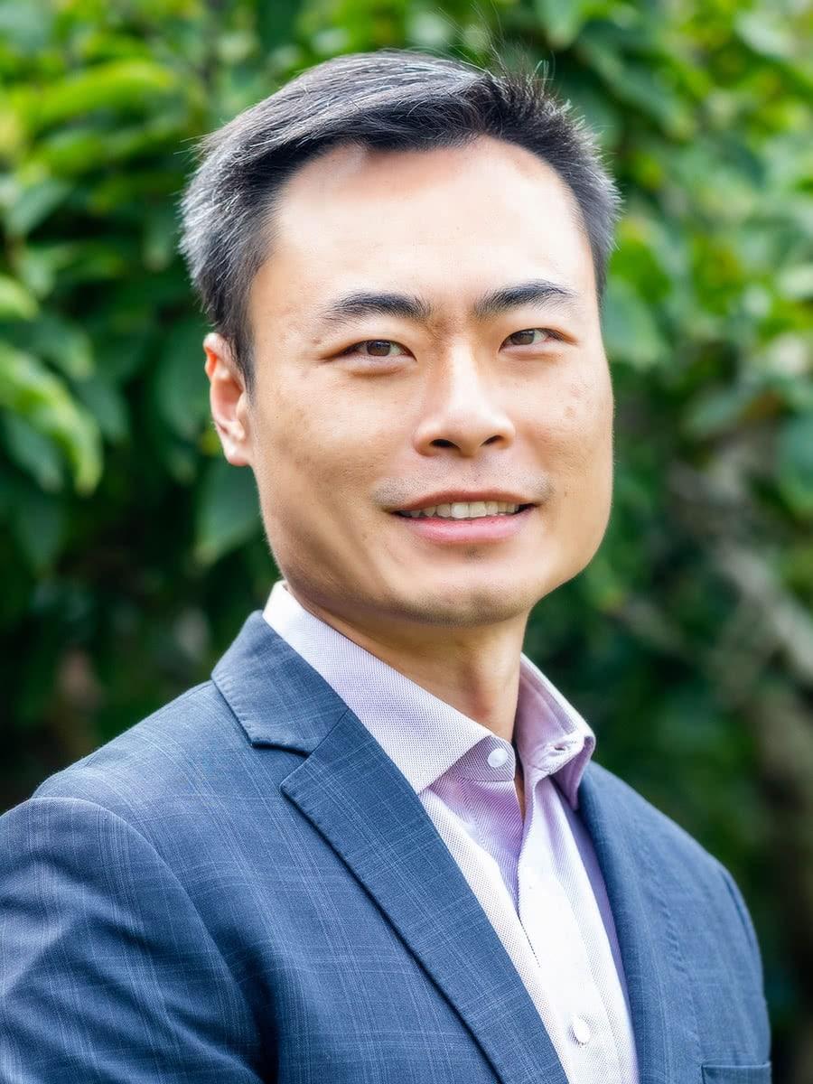 Dr Kenneth Shum